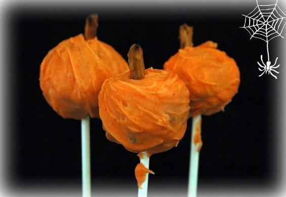 Pumpkin cake balls1